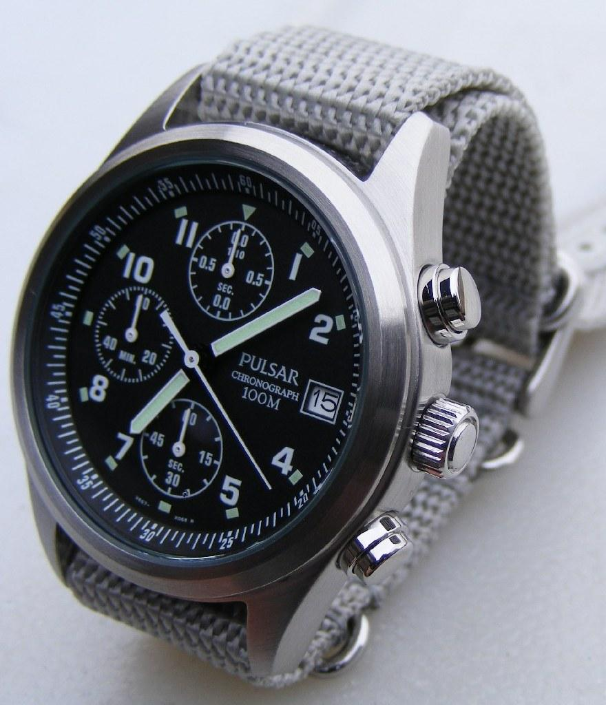 Hamilton Khaki Field Officer Mechanical Pulsar-RAF-PJN305X1-chrono-04L