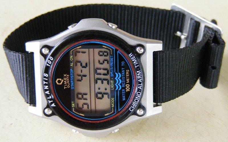d22b6b9f1f3 pra quem não está achando pulseira pros antigos timex tem gente q adapta  com essas pulseiras...fica legal até!